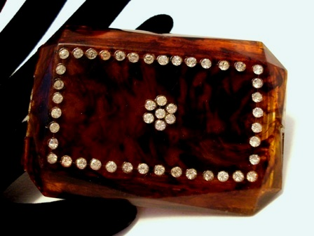 Vintage 1940's amber Lucite and rhinestone ladies powder compact by Mavco