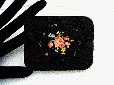 Vintage 1930 - 1940 French beaded Tambour embroidered ladies powder compact