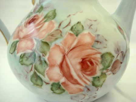 Vintage hand painted peach roses teapot