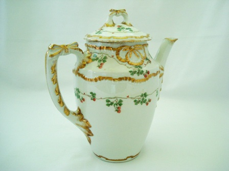 Ginori teapot hand decorated made in Italy fine porcelain