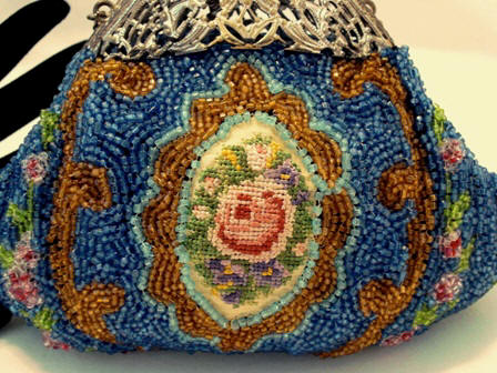 Beaded and needlepoint puffy style Victorian purse ca. 1900