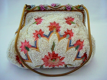 Vintage 1930 Paris beaded pink embroidered purse