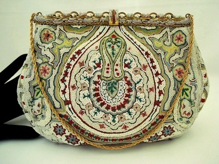 Vintage 1930 ruby embroidered beaded enameled French purse